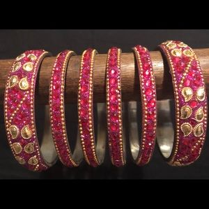 Accessories - Magenta set of  6 bangles.